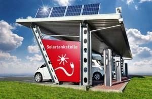 Solartankstelle mit Elektroautos